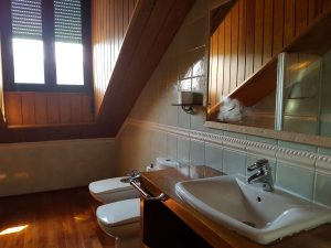 Baño Habitación Casa Rural La Chata en Valsaín, Segovia