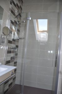Baño Habitación Hostal La Chata en La Granja. Segovia